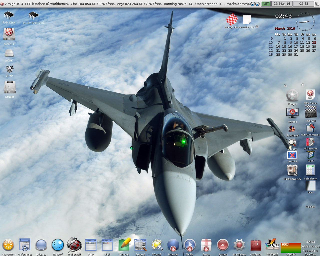 AmigaOS 4.1 FE Workbench with JAS 39 Gripen backdrop